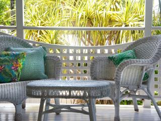 Pandanus Cottage - A tropical spacious 3 bedroom h, Port Douglas