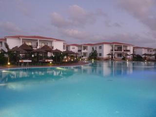 Luxury 5* Pool Side Apartment