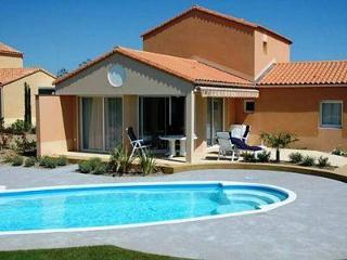 SOPHORA 4 BEDROOM WITH POOL, Les Sables d'Olonne