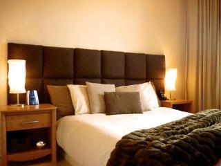 2 Bedroom Condo/loft In Heart Of Beautiful Quebec