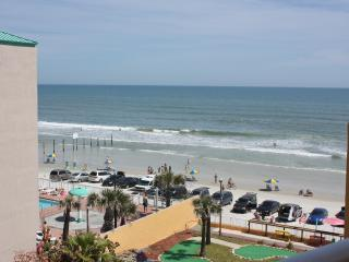 Suite On The Beach!  In The Heart Of Daytona Beach