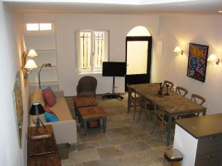 Nordic Suquet 1, Fantastic 2 Bedroom Holiday Rental in Cannes