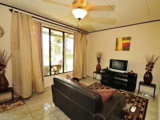 2 Bedroom Poolside Condo in MidTown Jaco Beach, Only 130 Yard walk to the Beach!