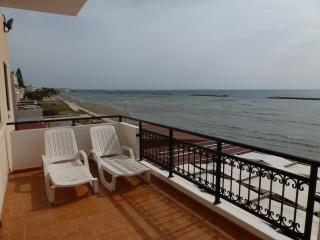 Sea View 2 bedroom Apartment, Free Wifi