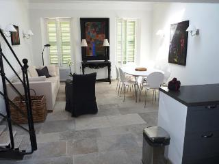 Spacious 2 Bedroom Flat with a Balcony, Nordic Suquet 3, Cannes