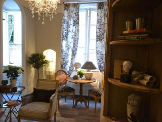 Upscale 1 Bedroom Apartment in Lucca