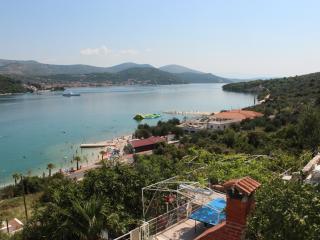 Beach home Iva, in Marina, central Dalmatia