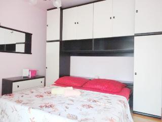 holiday Split rental apartment Toni
