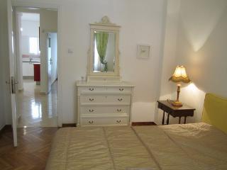 City Centre apartment spacious& bright 80 sqm m