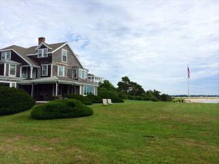 554 Wianno Ave, Osterville