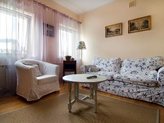 1 bedroom apartment Nowowiejska, Warschau
