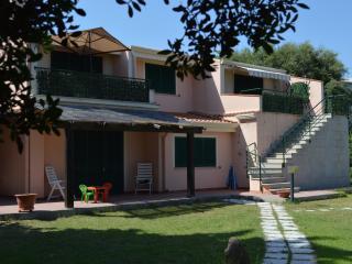 2 appartamenti con giardino, Cala Liberotto