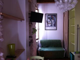 Charmant studio meublé 13002, Marsella