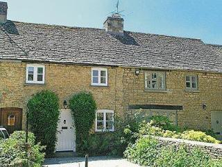 FORSYTHIA COTTAGE, Bourton-on-the-Water