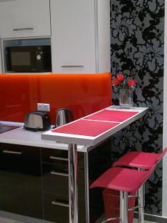 Full-equipped kitchenett