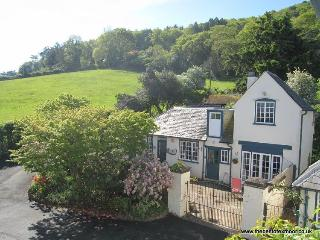 Coachmans Cottage, West Porlock - Sleeps 2 - Exmoor National Park - Sea views, Porlock Weir