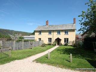 Farm Cottage, West Luccombe - Sleeps 6 - Exmoor National Park