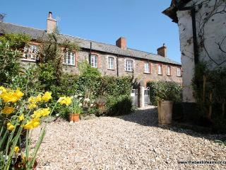 Grace Cottage, Porlock - Sleeps 4 - Exmoor National Park