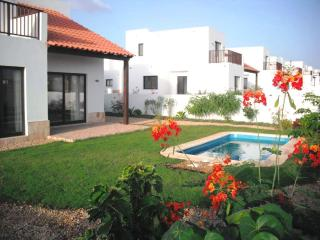 **Reduced late season prices ** Sea Views Villa With Pool, Meliá Dunas Resort.