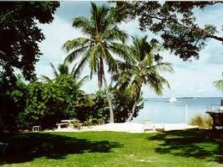 Tropical Cottage with Sandy Beach, Key Largo