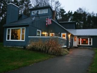 4bm Vacation Home with 4 Season Resort Access, Little Valley