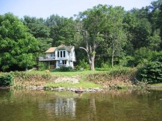 Waterfront Cabin, Delaware River, Callicoon