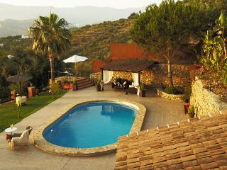 Large House with Private Pool (Villa el Pino), Algarrobo