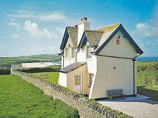 ST CADOC COTTAGE, Padstow