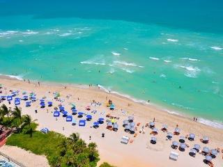 Solé - 1 bedroom apartment directly on the beach, Sunny Isles Beach