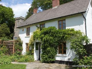 Old School House, Brushford - Sleeps 6 - Exmoor National Park - fabulous area