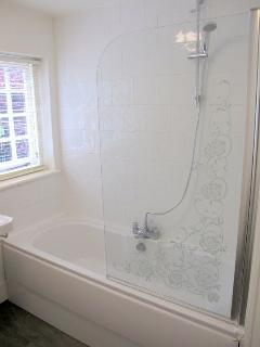 Worthy Cottage bathroom