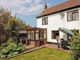 BEACH COTTAGE, Winterton-on-Sea