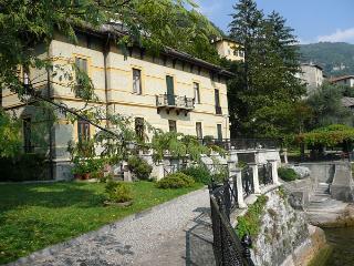 Villa Manzoni, Moltrasio