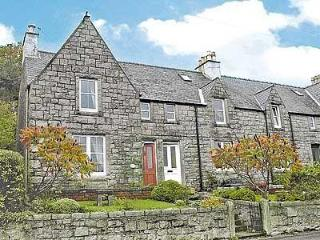 ROSEBAY COTTAGE, Castle Douglas
