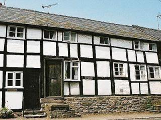 ROWENA COTTAGE, Kington