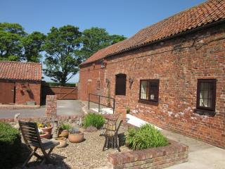 Larkrise Cottage and Courtyard