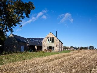 The Beehouse - beautiful converted outbuilding, St Andrews