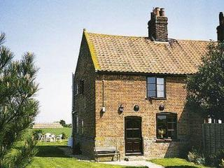 LANTHORN COTTAGE, Happisburgh
