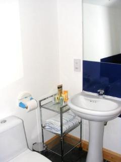 Jasmines Cottage Bathroom