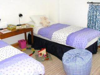 Jasmines Cottage Twin Bedroom