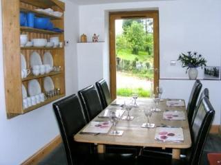 Jasmines Cottage Dining Area