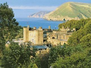 HARBOUR APARTMENT, Combe Martin