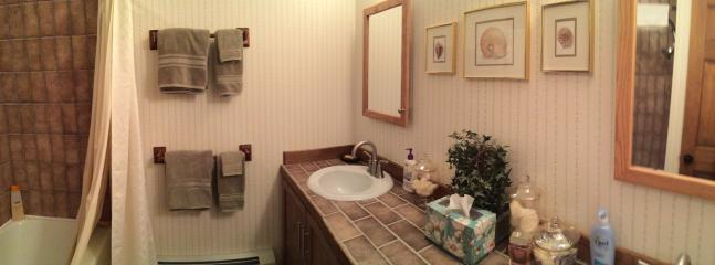 Upper full bathroom