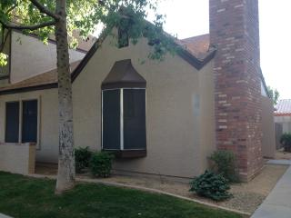 Condo close to sports, concerts, lake and dining, Peoria