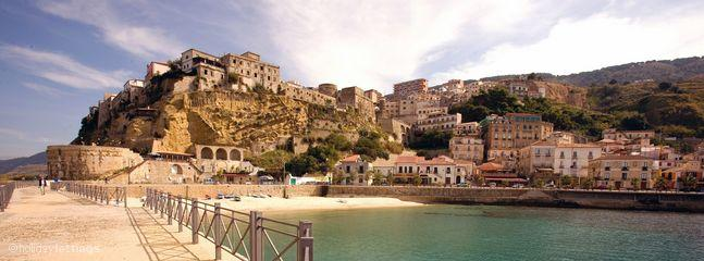 Pizzo Town and Beach 10 minute drive away