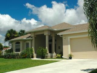 Villa Paradiso - Direct Gulf Access, Waterfront, P, North Fort Myers