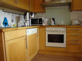 Fully equiped kitchen with a.o. oven, dishwasher, microwave, blender etc etc