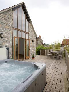 Lottisham Barn with it's own Hot Tub
