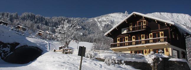 Ski in, Ski-out Chamonix Chalet mit Whirlpool, eine Sauna und einen herrlichen Blick auf die Berge - Ski Bequemlichkeit!