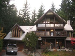 Gorgeous  executive chalet ! great views/dogs ok, Whistler